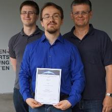 Von links nach rechts: betreuender Doktorand Manfred Ehresmann, Florian Grabi, betreuender Hochschullehrer Georg Herdrich