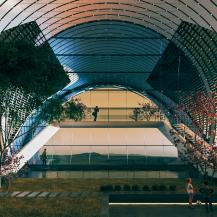 Künstlerische Darstellung der Aussicht in einer der Grünflächen. Eine permanente außerirdische Basis sollte ihren Bewohnerinnen und Bewohnern ein Gefühl von Heimat und Offenheit vermitteln ABIBOO Studio / SONet (Sebastián Rodríguez)
